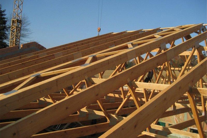 Drewniane wiązany dachowe.